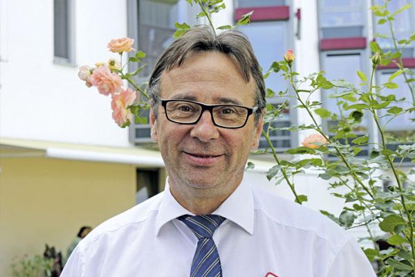 Einrichtungsleiter Carlos Schneider